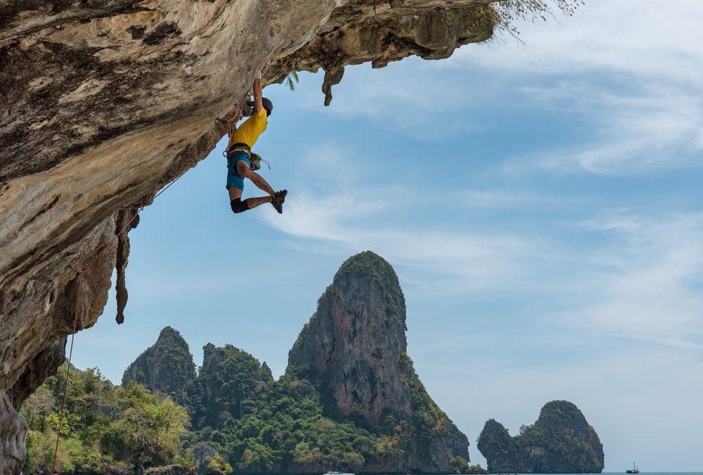 Grimpez intelligemment : Donner la priorité aux aspects techniques et mentaux de l'escalade